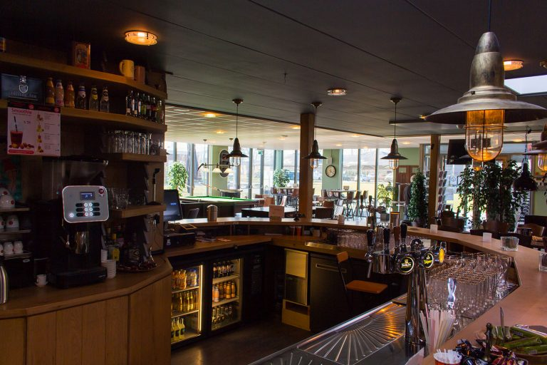 bar en ontmoetingsruimte Utherne IJlst